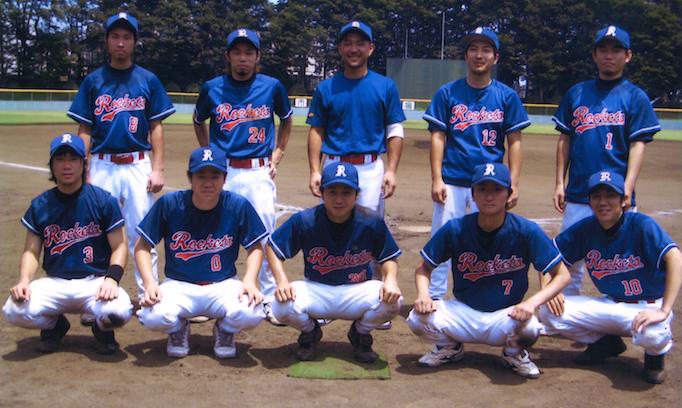 大久保恒産の番頭小池忠彦さん紹介記事における野球の写真