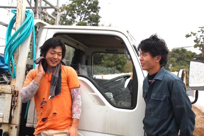 神奈川県青葉区にある足場施工会社 株式会社大久保恒産で兄弟で足場職人として働く吉澤 渓さん、聖さん