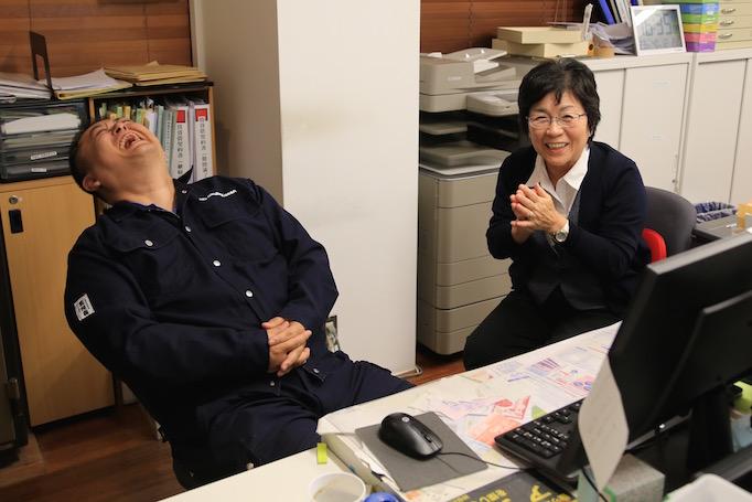 神奈川県青葉区にある足場施工会社 株式会社大久保恒産で経理部 部長として働く大橋さんの写真